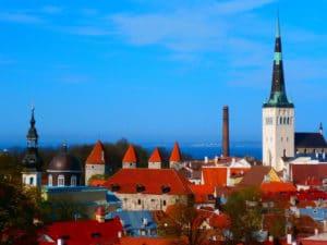 Tallinn-Landausflug: Abendstimmung über dem Domberg
